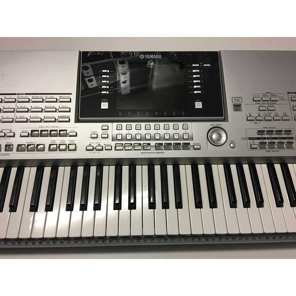 Used Yamaha Tyros2 Keyboard Includes MS02 Speakers