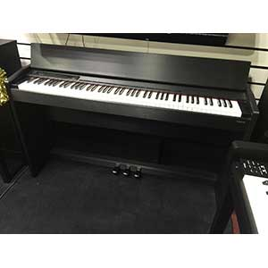 Roland Pre-Owned F110 Digital Piano in Black