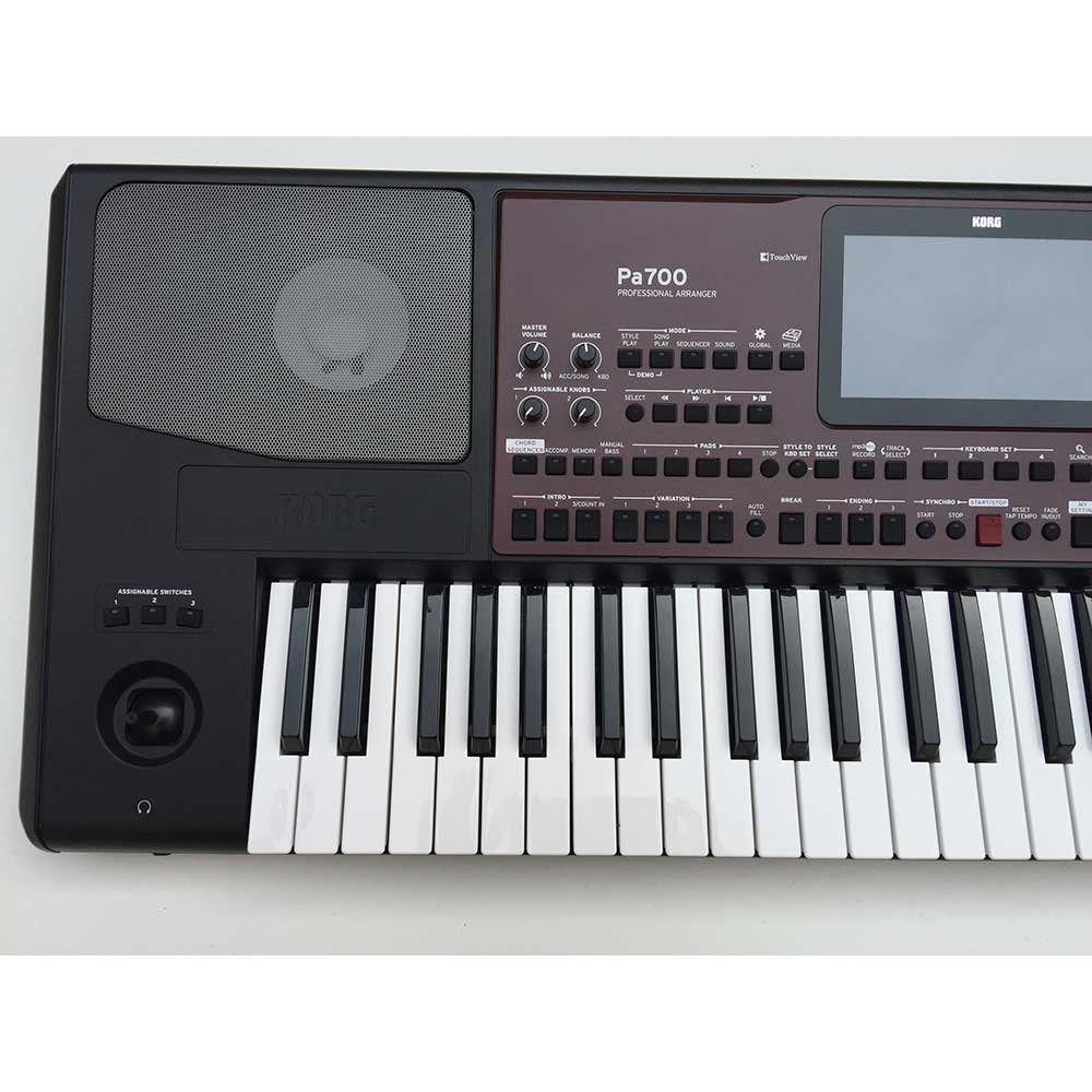 Used korg pa700 arranger korg keyboards experts keysound for Korg or yamaha digital piano